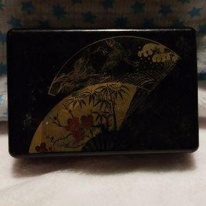 Black fan jewelry box